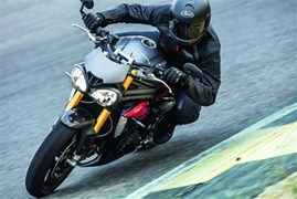 Triumph Speed Triple R und Speed Triple S 2016