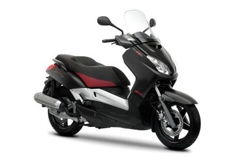 Yamaha Black X-MAX