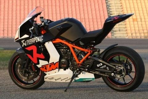 KTM RC8-R Akrapovic