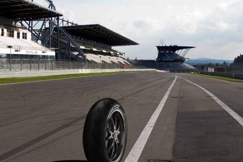 SBK Pirelli rundet auf