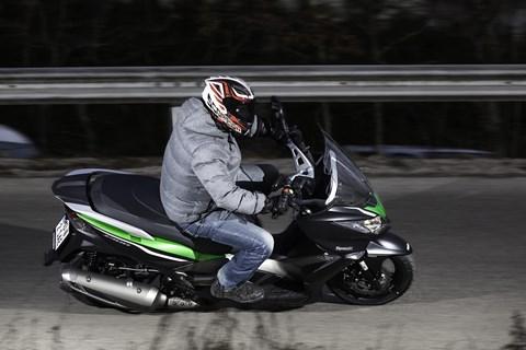 Kawasaki J300 im Test