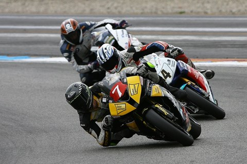 Marco Nekvasil holt den Titel in der Klasse Superstock 1000