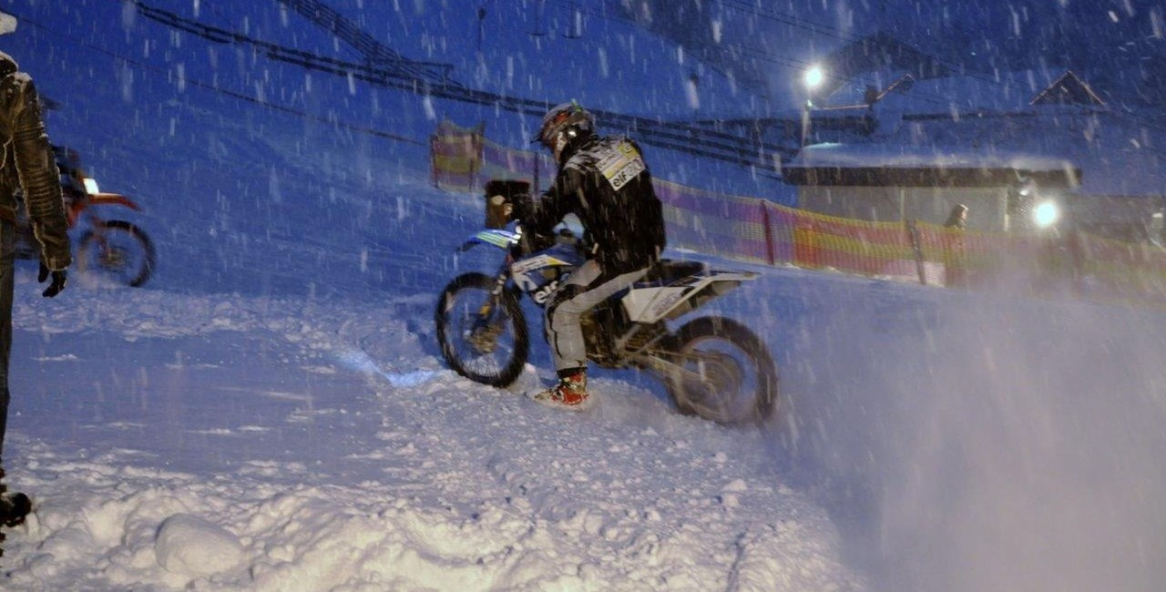 "Schnee-Motorrad-Spektakel ""X-Night Gaal"" 2015"