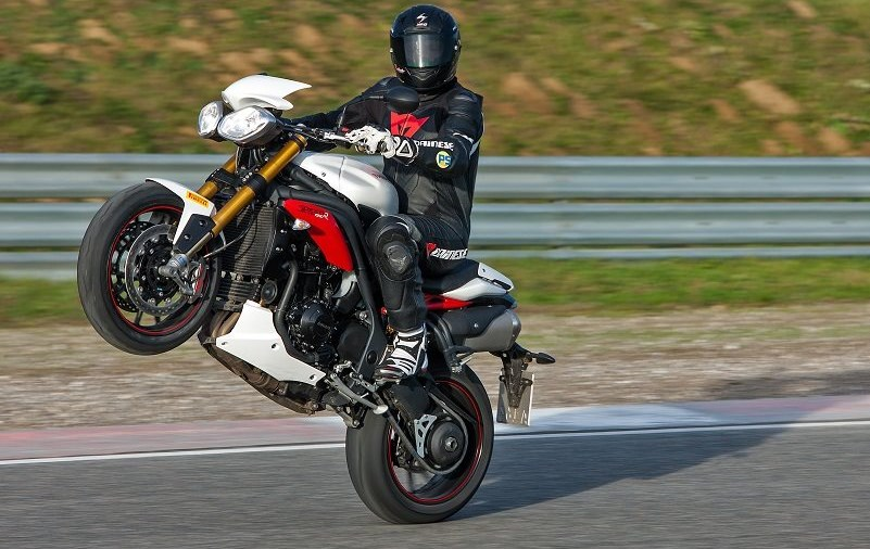 Neues PS mit Zonkos Speed Triple R