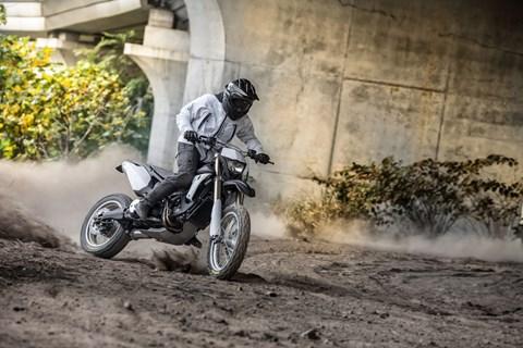 Yamaha T-Max TROSS - ein Roller für´s Gelände