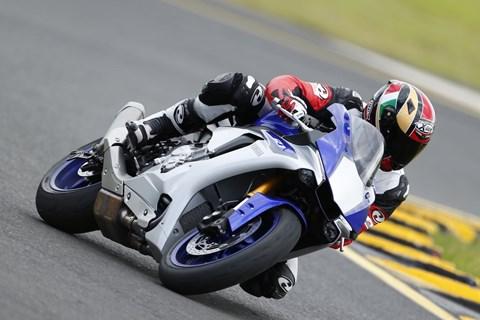 Yamaha R1 2015 Test mit Video
