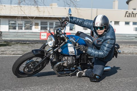 Test Moto Guzzi V7 II Special