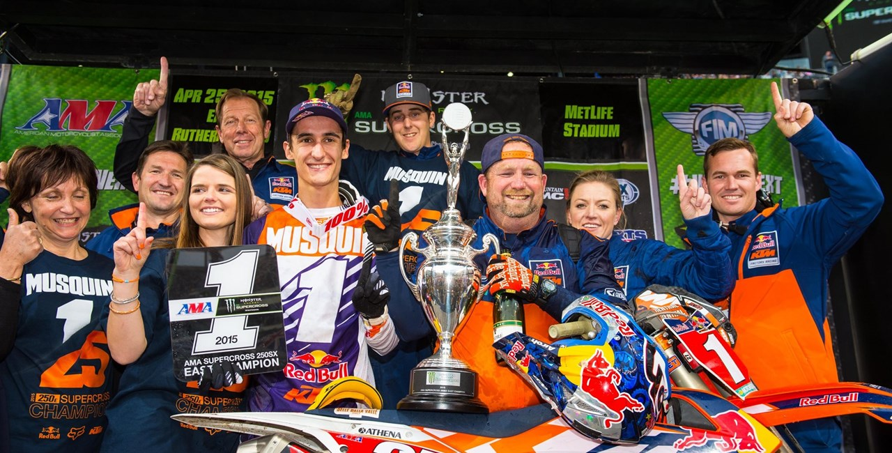 Marvin Musquin krönt sich zum East 250SX Supercross Champion 2015