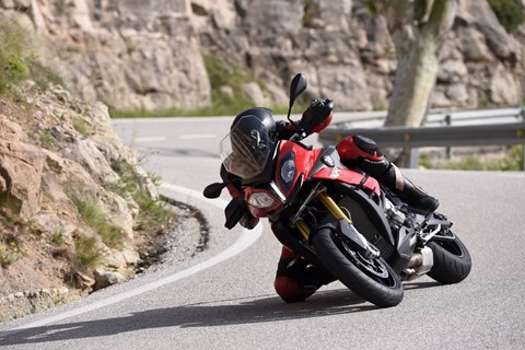 BMW S 1000 XR 2015 Test