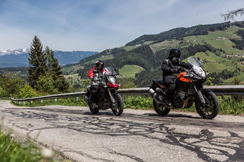 KTM 1050 Adventure vs. Suzuki V-Strom 1000