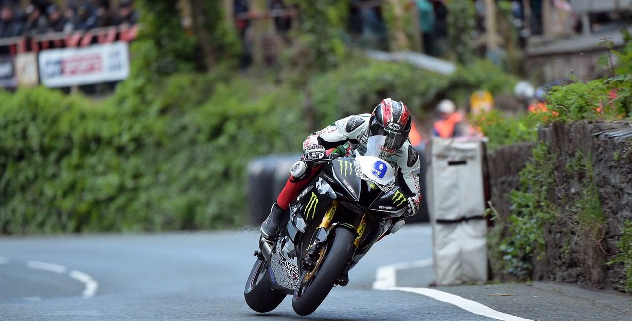 METZELER dominiert bei der Isle of Man TT 2015