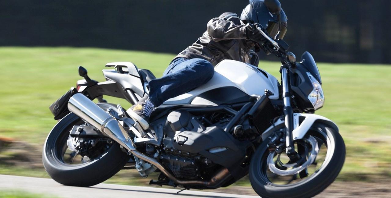 Honda NC750S Naked Bike Test