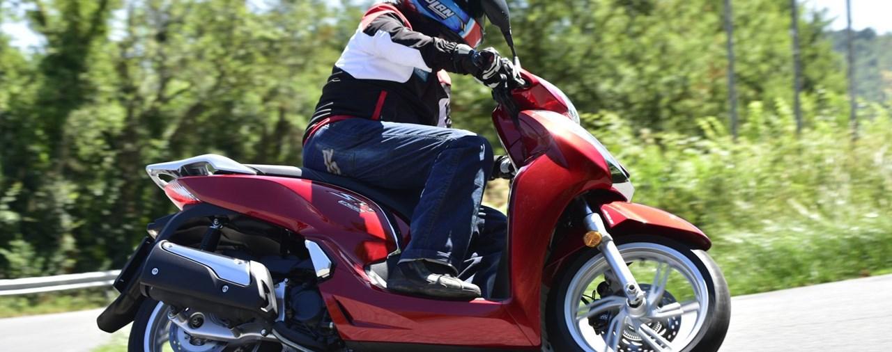 Honda SH300i 2015 Test