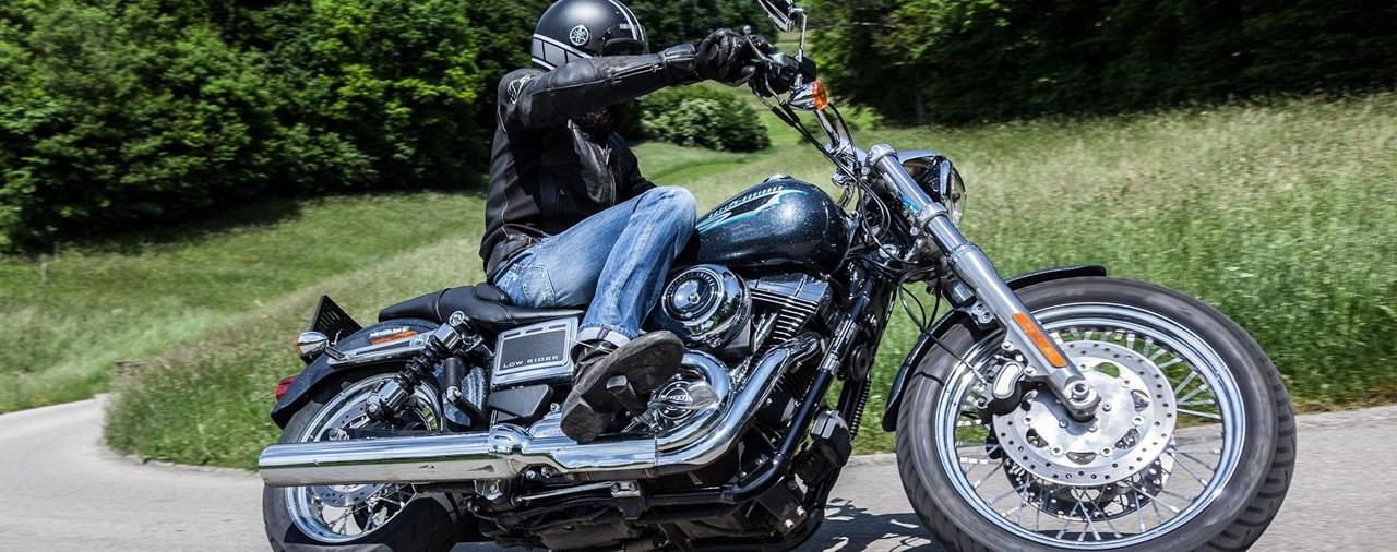 Harley Davidson Dyna Low Rider 2015 Test