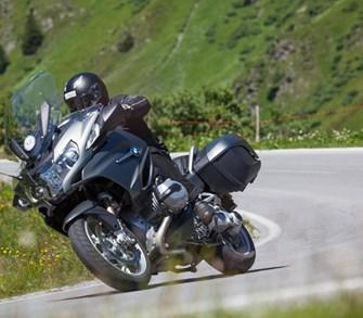 BMW R 1200 RT und Triumph Trophy SE in den Alpen