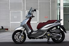 Piaggio Beverly 350ie Sport Touring Test 2015