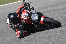 Ducati Monster 1200 R 2016 Test