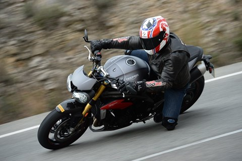 Triumph Speed Triple R mit Elektronik-Paket Test