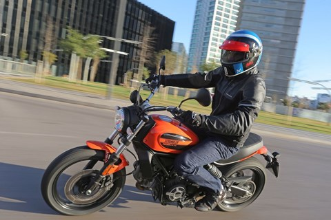 Ducati Scrambler Sixty2 Test