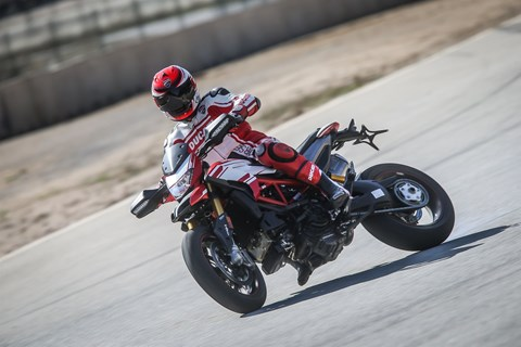Ducati Hypermotard 939 2016 Test