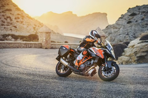 KTM 1290 Super Duke GT Test