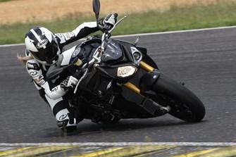 9 Naked Bikes im großen 1000PS-Test auf der Rennstrecke