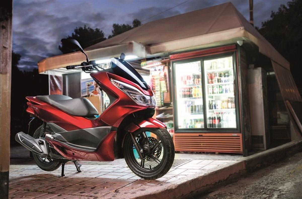honda pcx125 mit start stopp automatik motorrad news. Black Bedroom Furniture Sets. Home Design Ideas