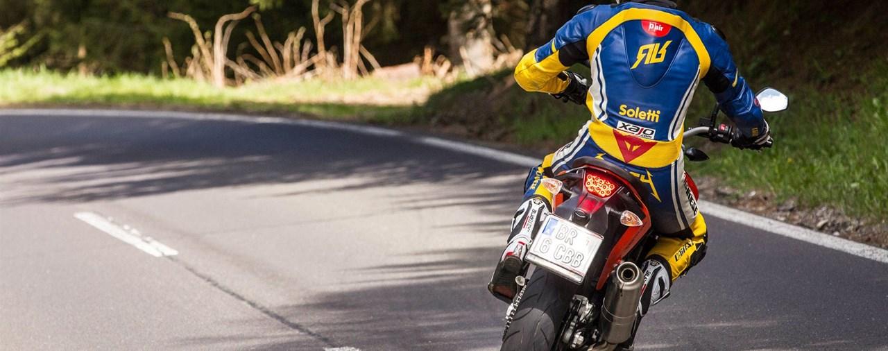 Motorrad-Quartett: KTM 690 Duke Test
