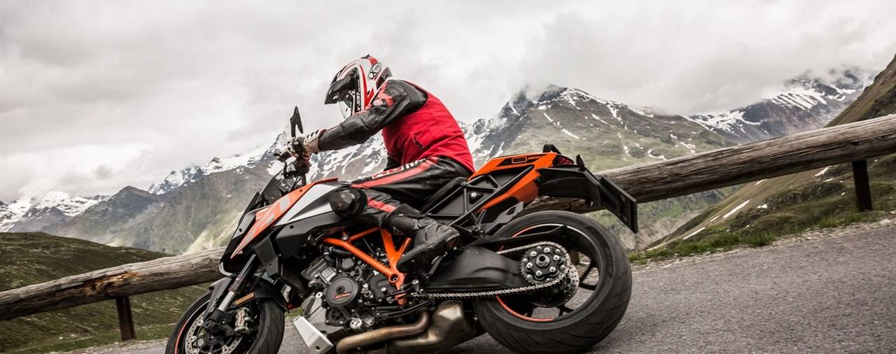 KTM 1290 Super Duke GT Test in den Alpen Ischgl 2016