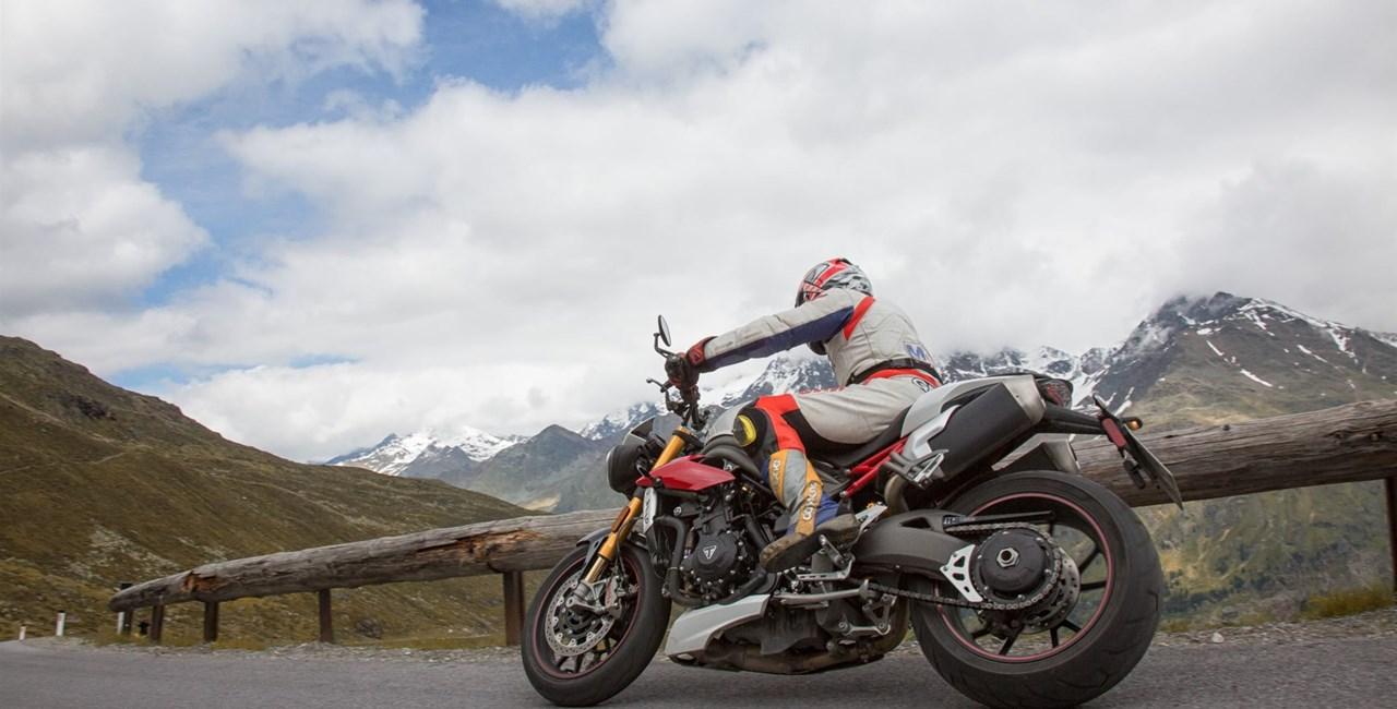 Triumph Speed Triple R Test in den Alpen Ischgl 2016