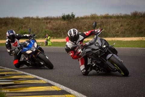 Vergleich Yamaha MT-10 vs. Aprilia Tuono