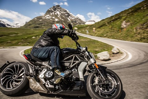 Ducati X Diavel S Test in den Alpen