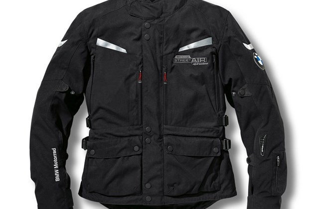 motorrad news bmw airbag jacke street air dry by alpinestars. Black Bedroom Furniture Sets. Home Design Ideas