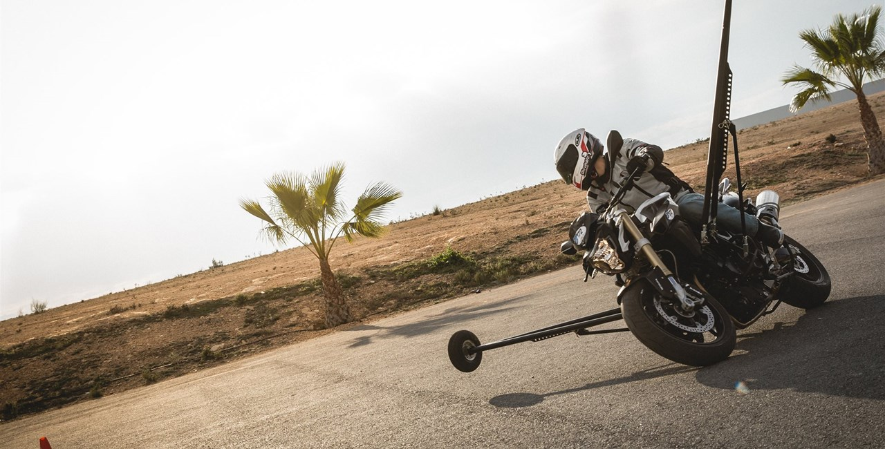 BMW Motorrad Test-Camp: Kurvenschule