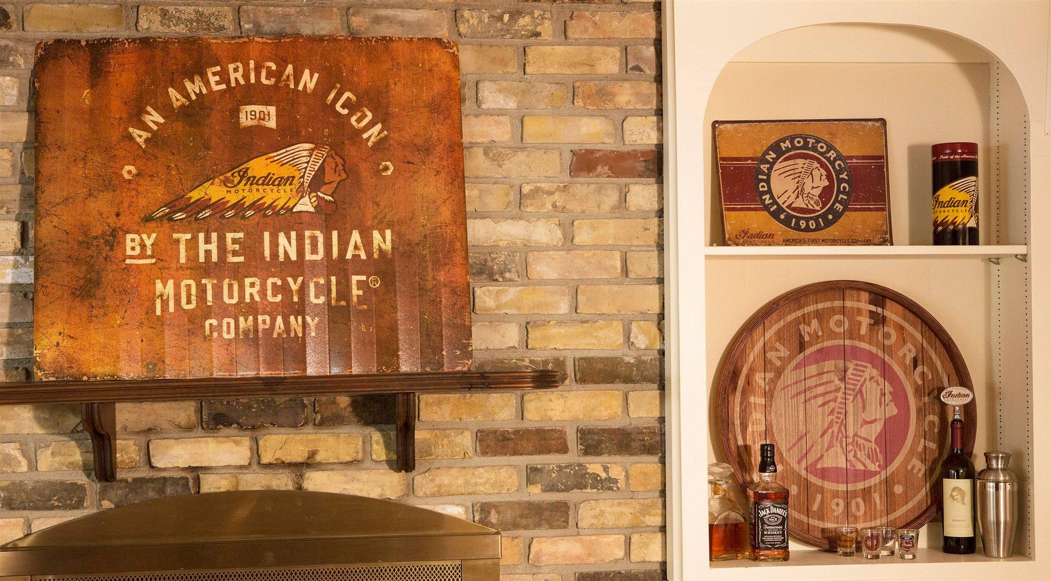 indian deko f r garage und wohnzimmer motorrad news. Black Bedroom Furniture Sets. Home Design Ideas