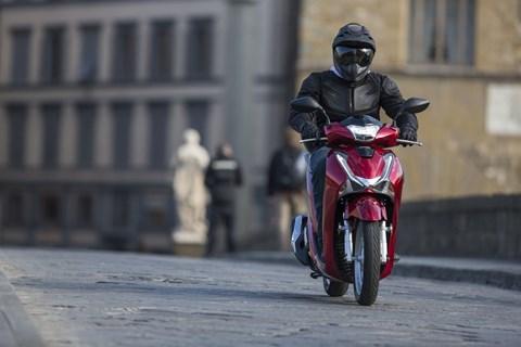 Honda SH125i & SH150i 2017 Test