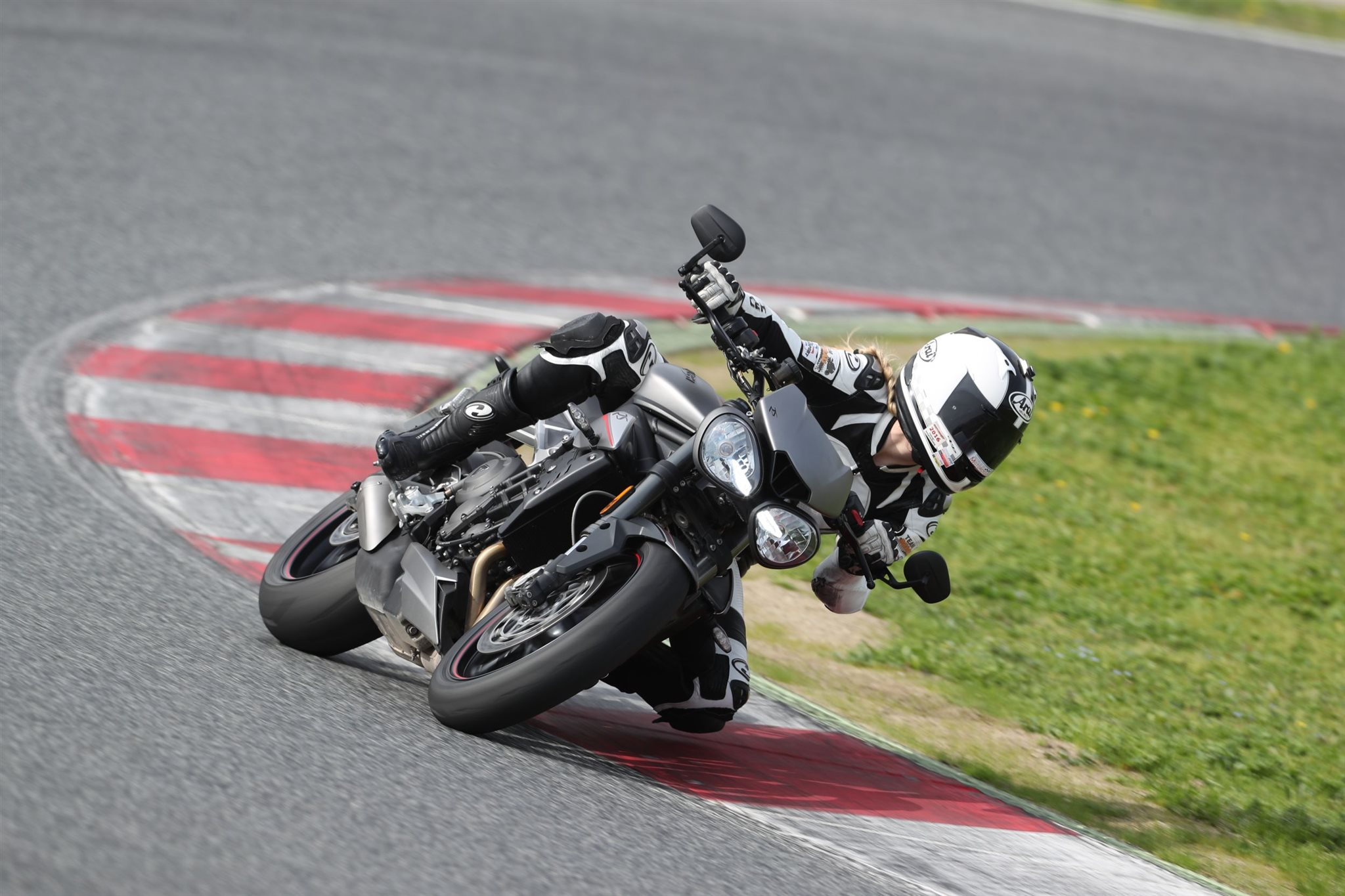 Triumph Street Triple RS Test 2017 Foto