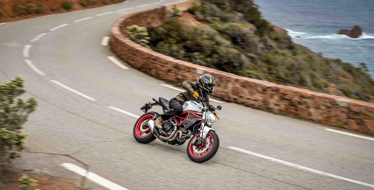DUCATI Monster 797 2017 Test