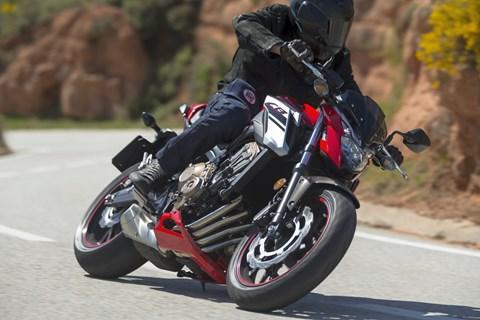 Honda CBR650F und CB650F 2017 Vergleich