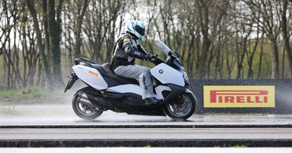 Pirelli Angel Scooter und Diablo Rosso Scooter Test 2017
