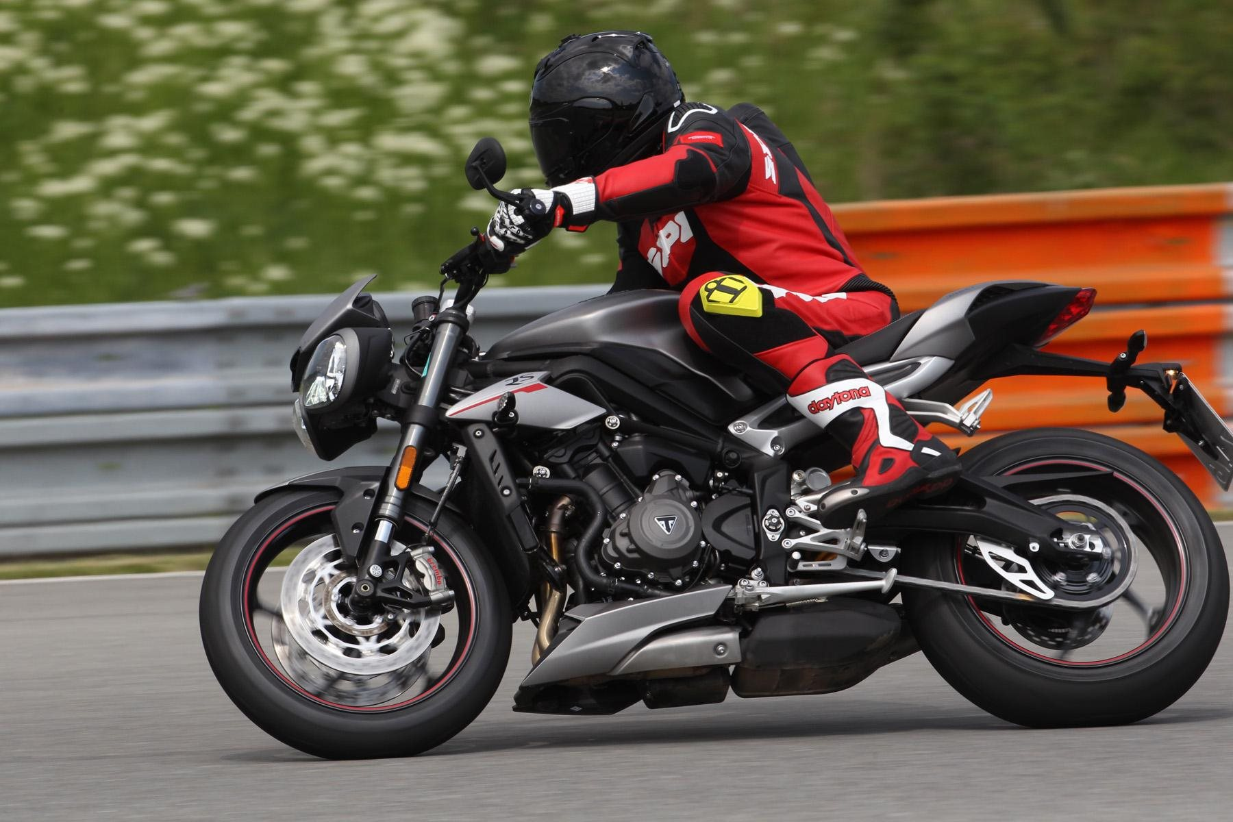Triumph Street Triple 800 RS 2017 Test Foto