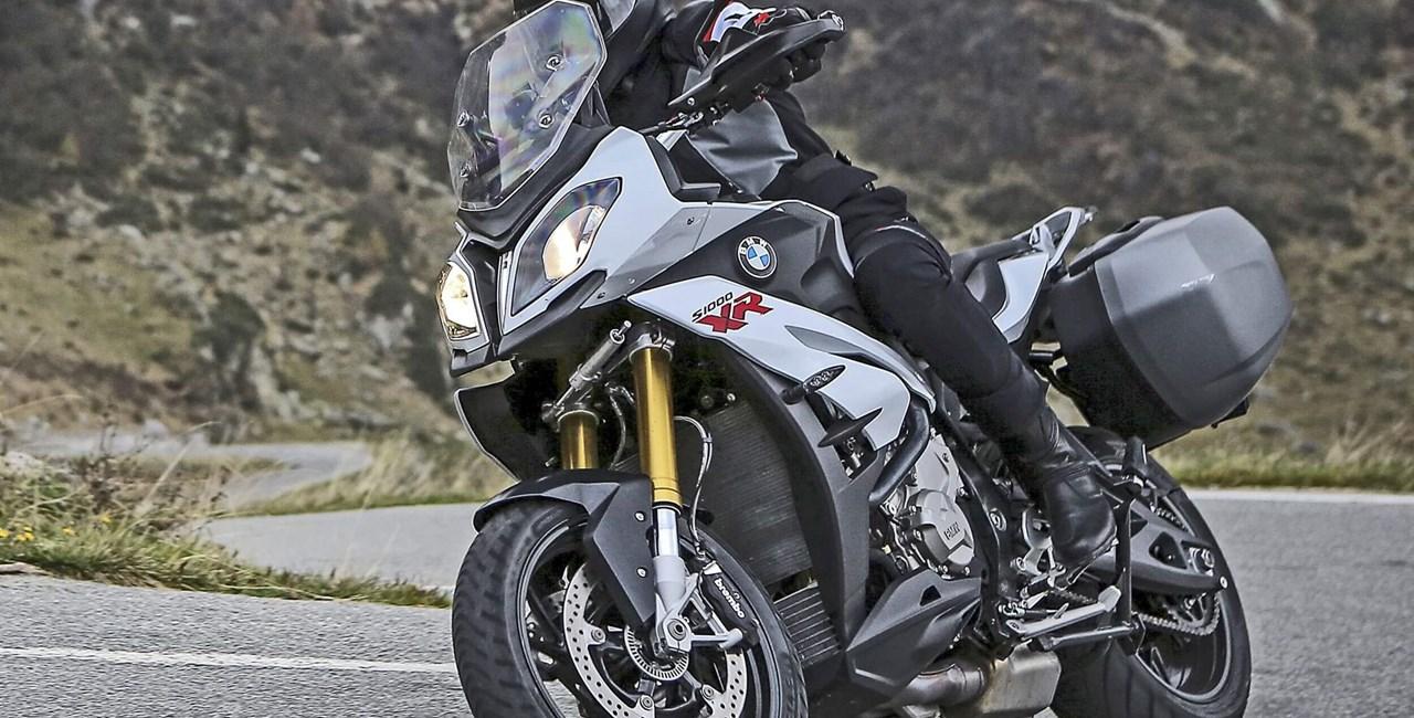 """METZELER ROADTECTM 01 von """"Motorcycle News"""""""