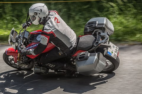 Motorradurlaub in den Alpen