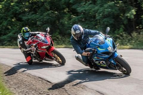 Honda CBR1000RR Fireblade SP vs. Suzuki GSX-R 1000 Test 2017