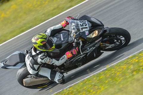 Dunlop GP Racer D212 im Test