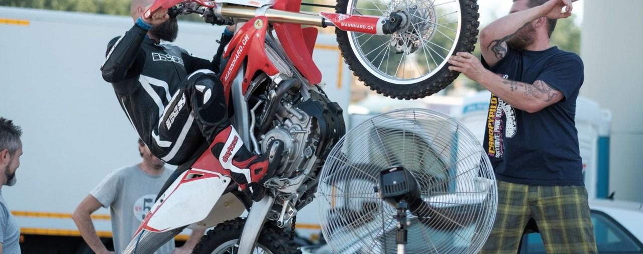 Wheelie-Training bei Fahrschule Mannhard