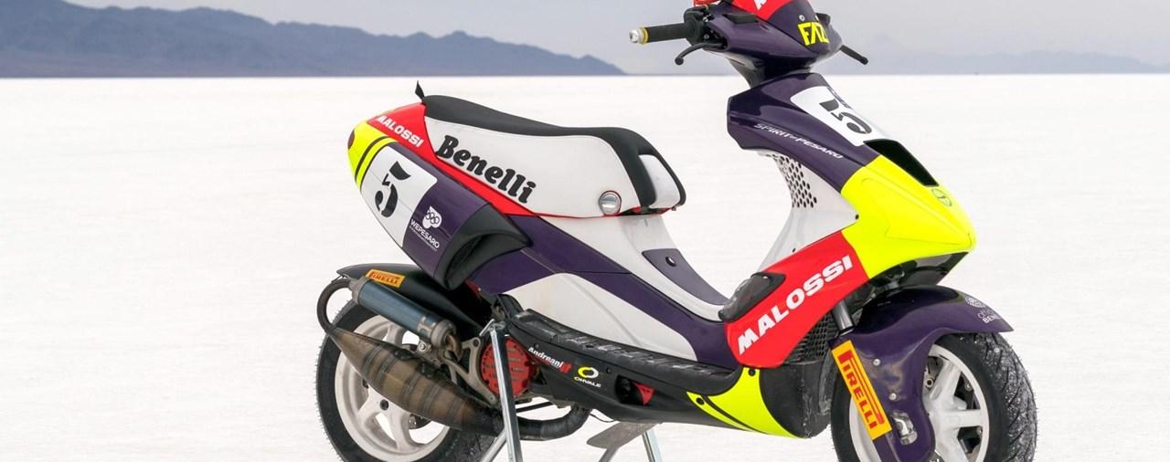 Pirelli Diablo Rosso Scooter - 6 Weltrekorde in Bonneville