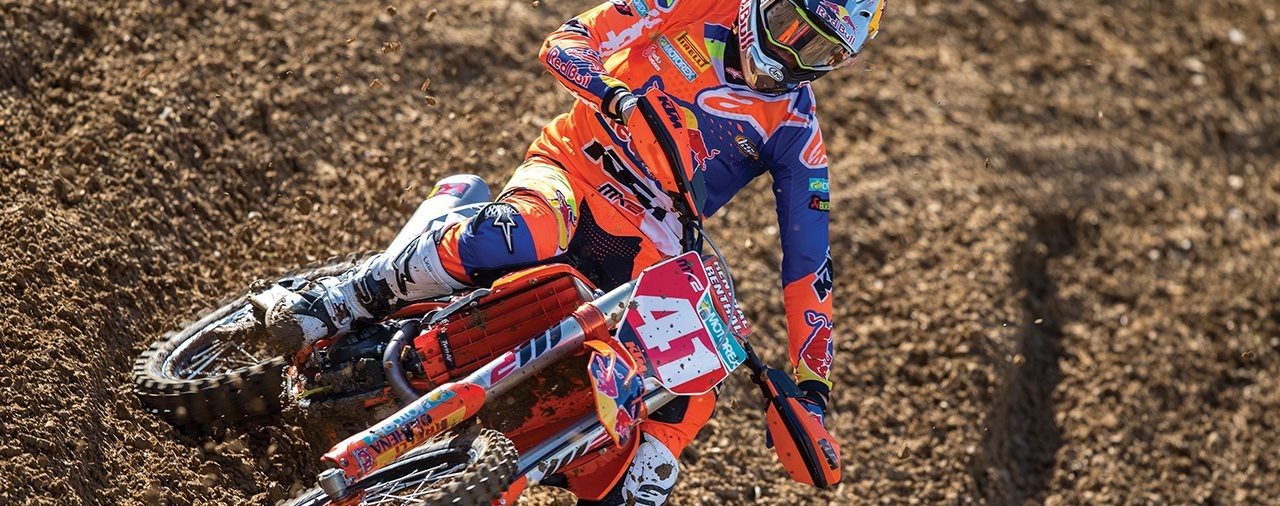 Red Bull KTM Factory Racing Team gewinnt FIM-MX2 WM