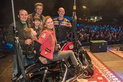 Nagelneue Harley-Davidson für die Festival-Veteranin