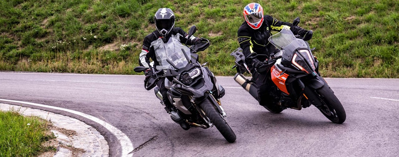 BMW R 1200 GS vs. KTM 1290 Super Adventure S Test 2017 mit Video!